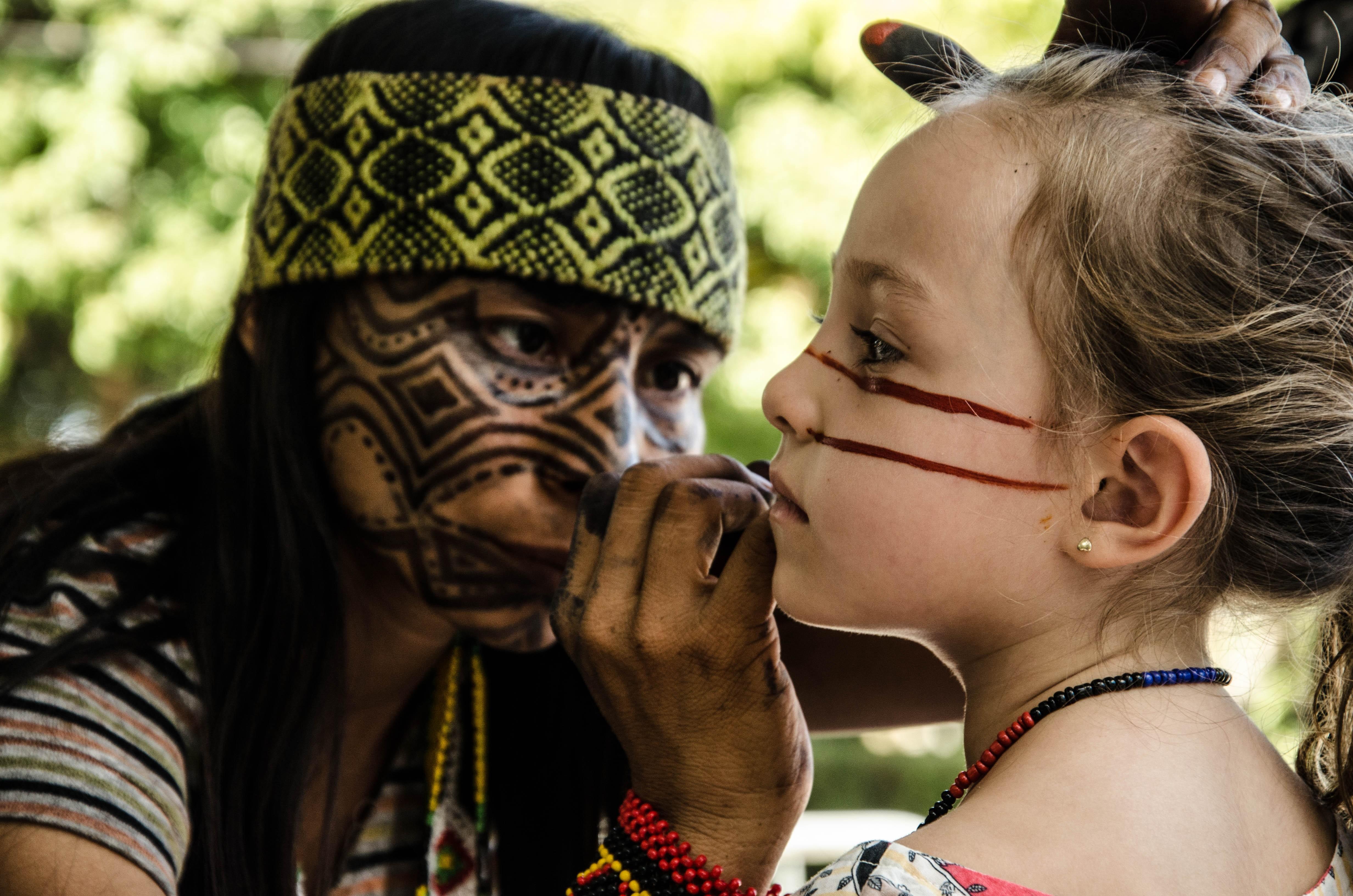 Pajé Same Putumi no Festival Mbaraete (Foto: Danilo Arenas / Divulgação)